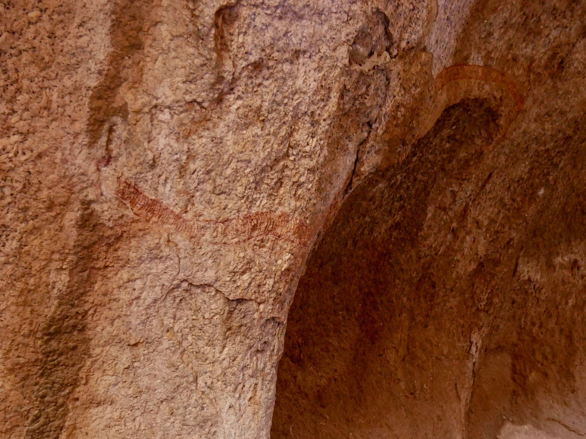 Peinture rupestre du Golden Snake au Spitzkoppe