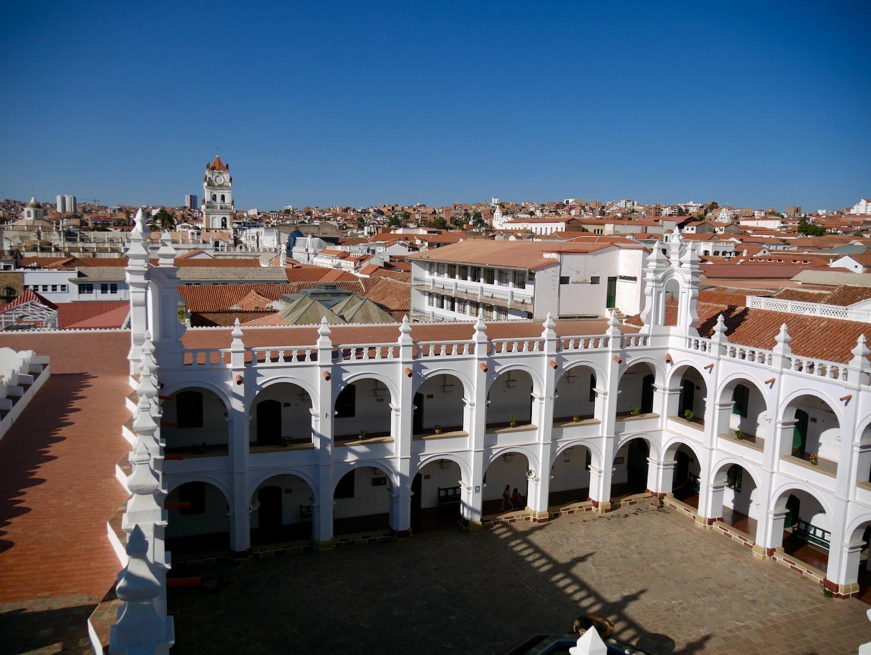Vue des toits du temple San Felipe de Neri