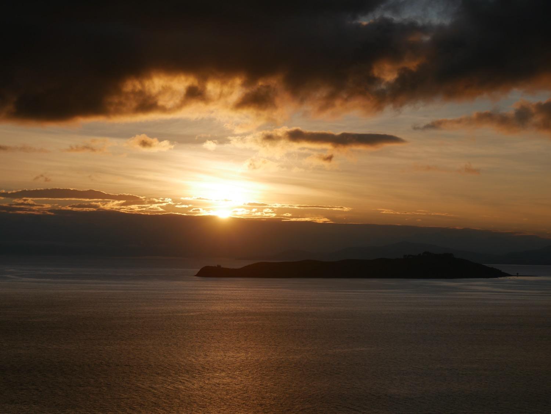 Magnifique lever du soleil sur la Isla del Sol