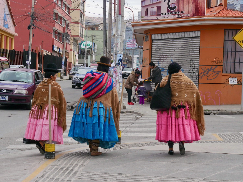 Trois belles cholitas de La Paz