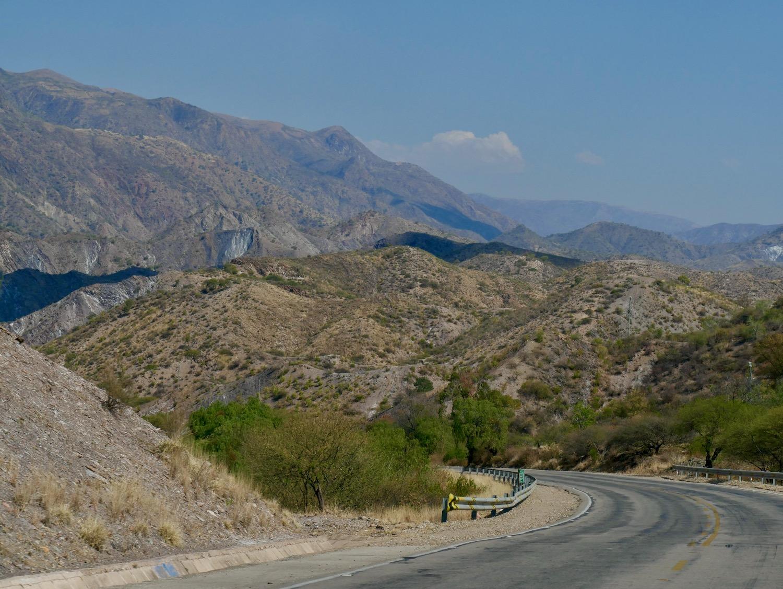 Paysage sur la route entre Sucre et Potosi