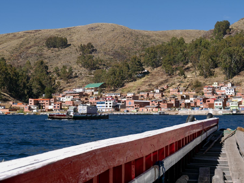 Traversée du détroit de Tiquina sur le Lac Titicaca