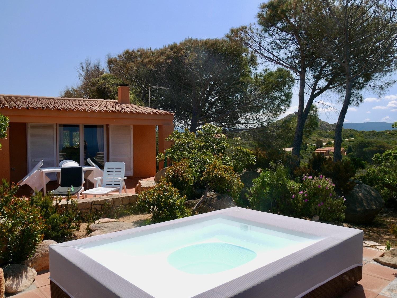 La casa Smeralda sur la Costa Paradiso en Sardaigne