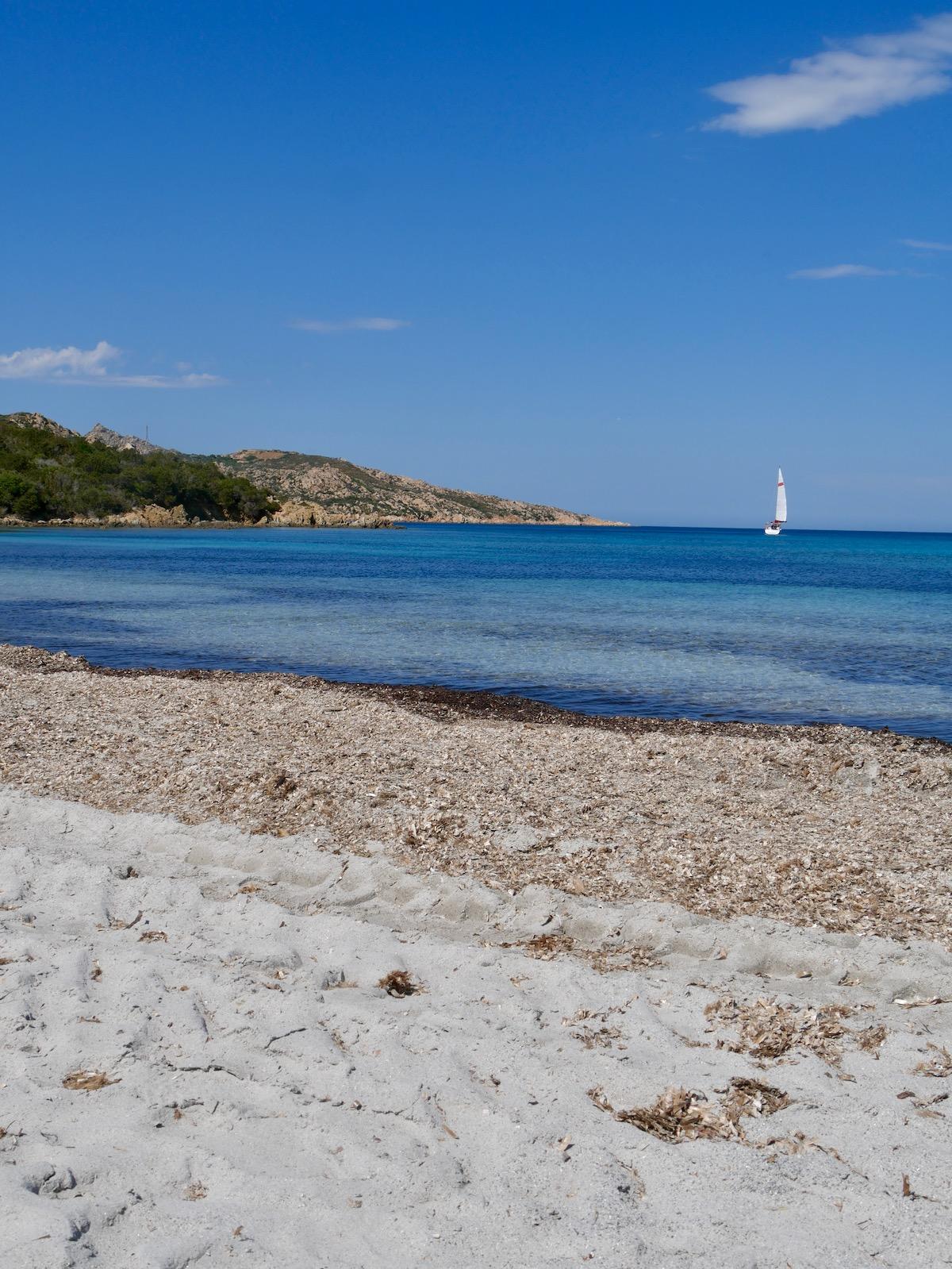 Plage de Caprera sur l'archipel de la Maddalena