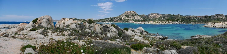 Mer turquoise à la Maddalena en Sardaigne